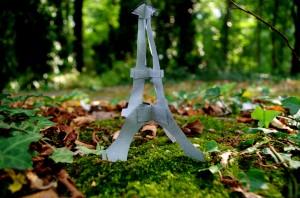 Quand la tour Eiffel prend ses pieds dans le tapis